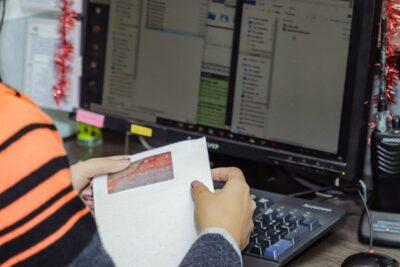 ATM continúa en el canje de adhesivos - Noticias de Ecuador