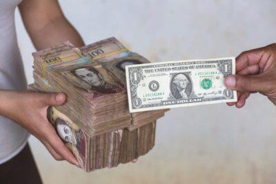 El millonario valor de un dólar - Noticia de Ecuador