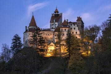 Vacunación dentro del castillo de Drácula - Noticias de Ecuador