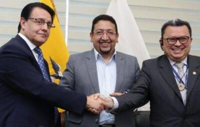 Fumaron la pipa de la paz Villavicencio y Vanegas - Noticias de Ecuador
